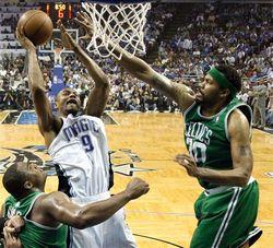Lewis_Celtics.jpg