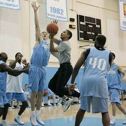 Thumbnail image for obama_basketball.jpg
