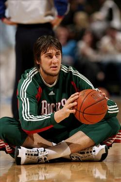 andrew_bogut_milwaukee_bucks.jpg