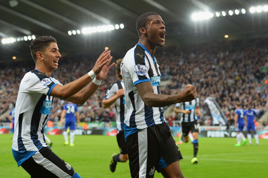 during the Barclays Premier League match between Newcastle United and Chelsea at St James' Park on September 26, 2015 in Newcastle upon Tyne, United Kingdom.