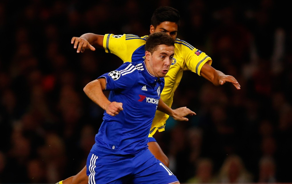 LONDON, ENGLAND - SEPTEMBER 16: Eden Hazard of Chelsea in action during the UEFA Champions League Group G match between Chelsea and Maccabi Tel-Aviv at Stamford Bridge on September 16, 2015 in London, United Kingdom.  (Photo by Laurence Griffiths/Getty Images)