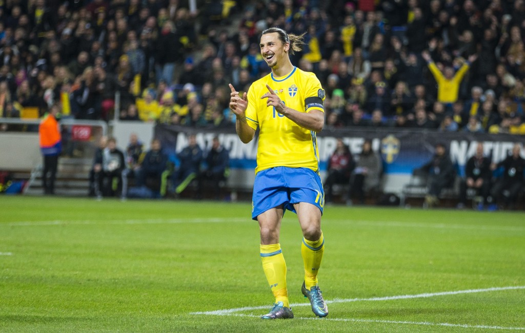 SOLNA, SWEDEN - NOVEMBER 14: Sweden 10 Zlatan Ibrahimovic durring a European Qualifier Play-Off between Sweden and Denmark on November 14, 2015 in Solna, Sweden. (Photo by Michael Campanella/Getty Images)