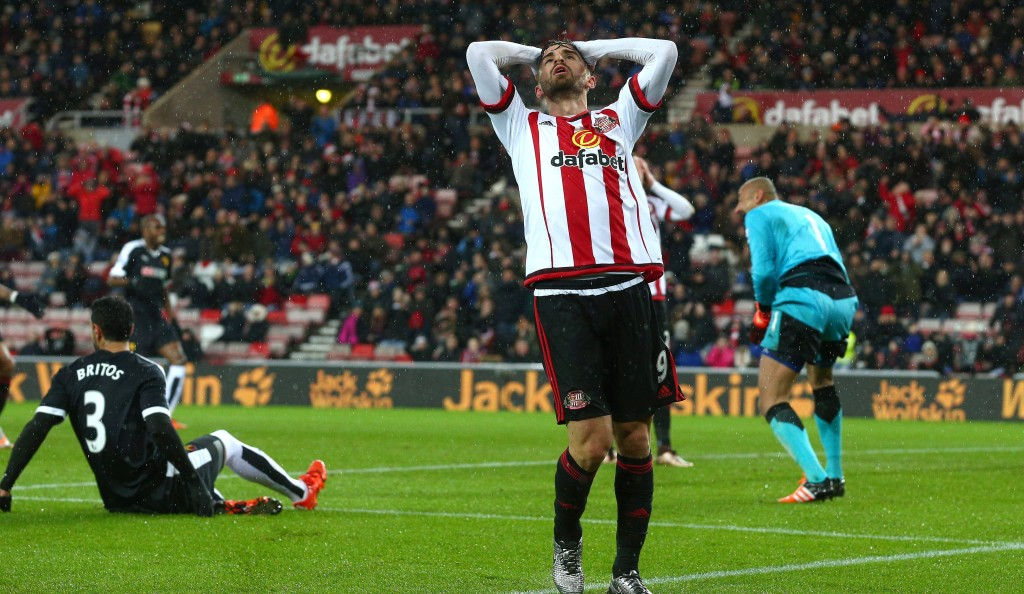 SUNDERLAND, ENGLAND - DECEMBER 12 : Fabio Borini of Sunderland reacts after missing a chance during the Barclays Premier League match between Sunderland AFC and Watford FC at the Stadium of Light on December 12, 2015 in Sunderland, United Kingdom. (Photo by Mark Runnacles/Getty Images)