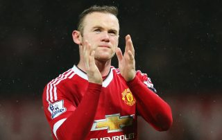 MANCHESTER, ENGLAND - JANUARY 02: Wayne Rooney of Manchester United applauds the supporters after the Barclays Premier League match between Manchester United and Swansea City at Old Trafford on January 2, 2016 in Manchester, England. (Photo by Alex Livesey/Getty Images)