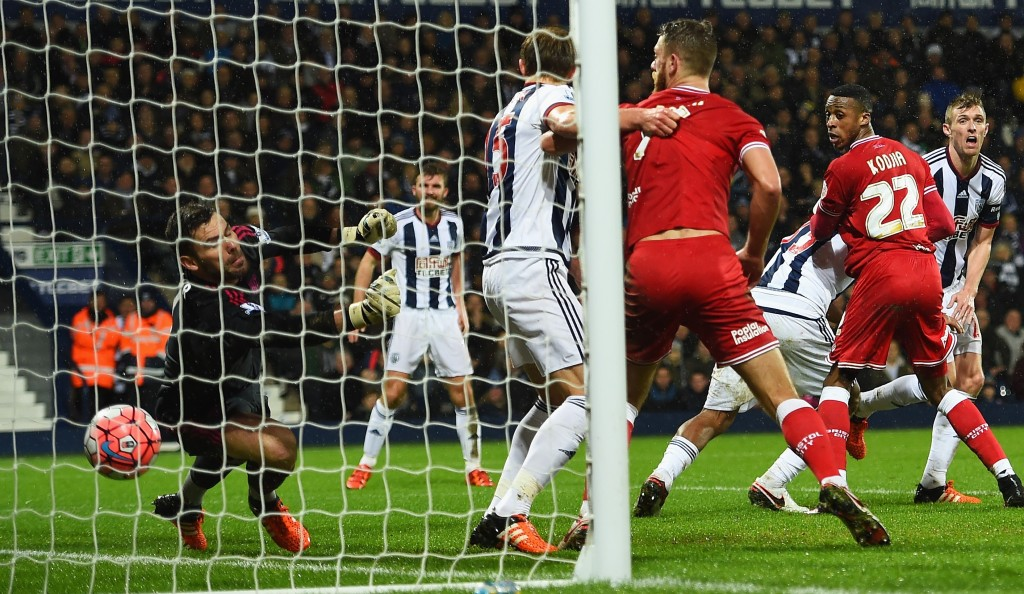 WEST BROMWICH, ENGLAND - JANUARY 09: Jonathan Kodjia (2nd R) of Bristol City scores his team's first goal during the Emirates FA Cup Third Round match between West Bromwich Albion and Bristol City at The Hawthorns on January 9, 2016 in West Bromwich, England. (Photo by Shaun Botterill/Getty Images)