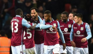 BIRMINGHAM, ENGLAND - JANUARY 12:  Joleon Lescott of Aston Villa (3L) celebrates with team mates as he scores their first goal with a header during the Barclays Premier League match between Aston Villa and Crystal Palace at Villa Park on January 12, 2016 in Birmingham, England.  (Photo by Shaun Botterill/Getty Images)
