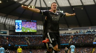 MANCHESTER, ENGLAND - FEBRUARY 06: Robert Huth of Leicester City celebrates scoring his team's third goal during the Barclays Premier League match between Manchester City and Leicester City at the Etihad Stadium on February 6, 2016 in Manchester, England. (Photo by Michael Regan/Getty Images)