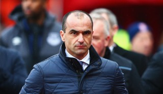 STOKE ON TRENT, ENGLAND - FEBRUARY 06: Roberto Martinez Manager of Everton looks on prior to the Barclays Premier League match between Stoke City and Everton at Britannia Stadium on February 6, 2016 in Stoke on Trentl, England. (Photo by Clive Mason/Getty Images)