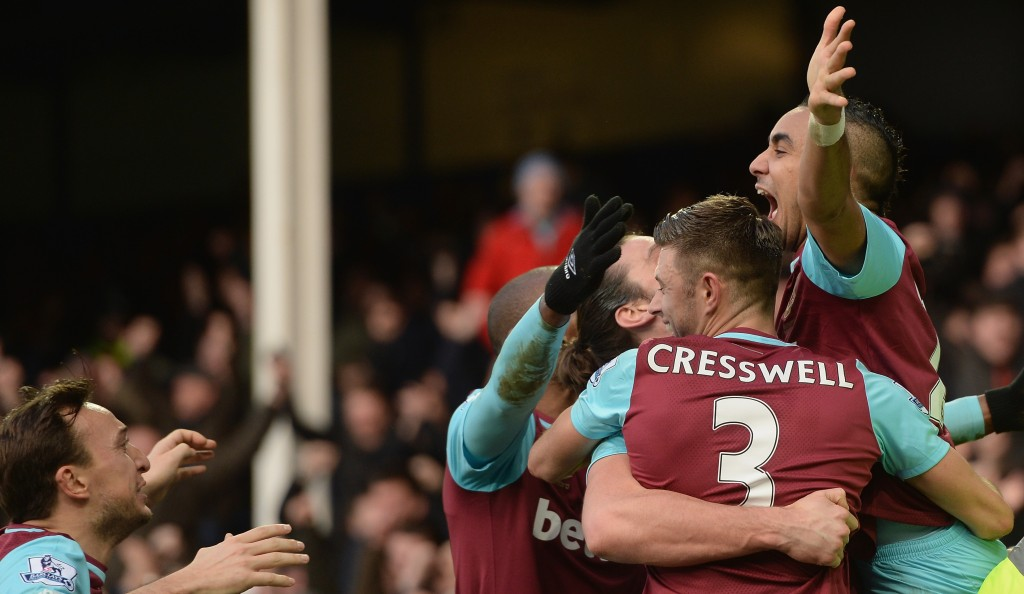 LIVERPOOL, ENGLAND - MARCH 05:  Dimitri Payet (1st R) of West Ham United celebrates scoring his team's third goal with his team mates during the Barclays Premier League match between Everton and West Ham United at Goodison Park on March 5, 2016 in Liverpool, England.  (Photo by Gareth Copley/Getty Images)