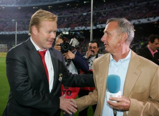 BARCELONA, SPAIN - APRIL 05: Ronald Koeman, Coach of Benfica with Dutch football legend Johann Cruyff before UEFA Champions League Quarter Final second leg match between Barcelona and SL Benfica at the Camp Nou on April 5, 2006 in Barcelona, Spain. (Photo by Stuart Franklin/Getty Images)