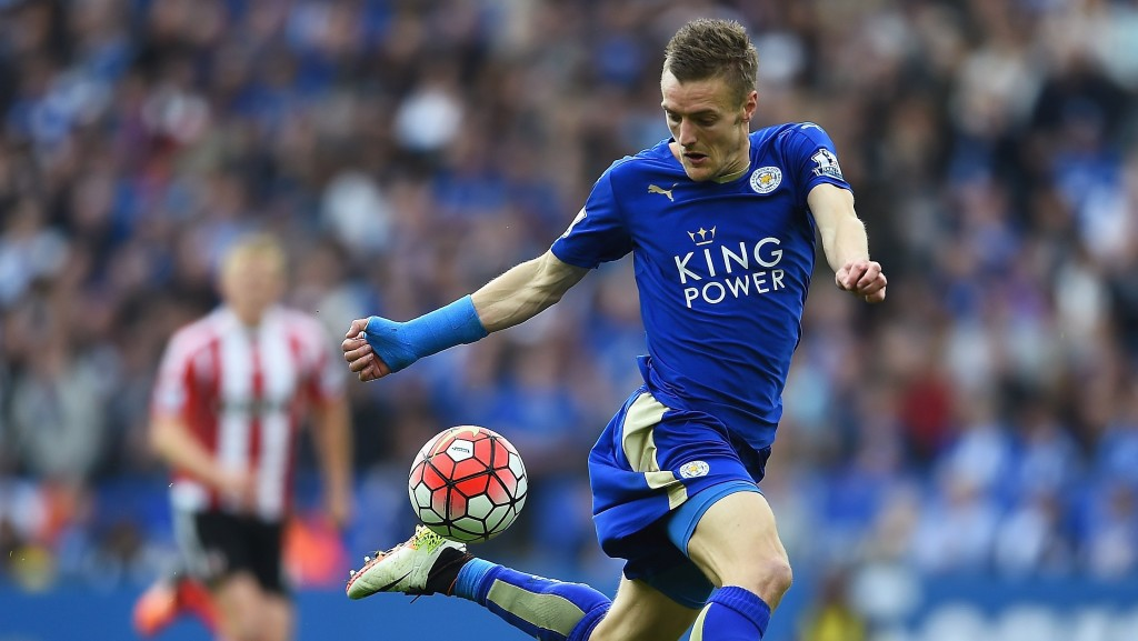 LEICESTER, ENGLAND - APRIL 03: Jamie Vardy of Leicester City controls the ball during the Barclays Premier League match between Leicester City and Southampton at The King Power Stadium on April 3, 2016 in Leicester, England. (Photo by Laurence Griffiths/Getty Images)
