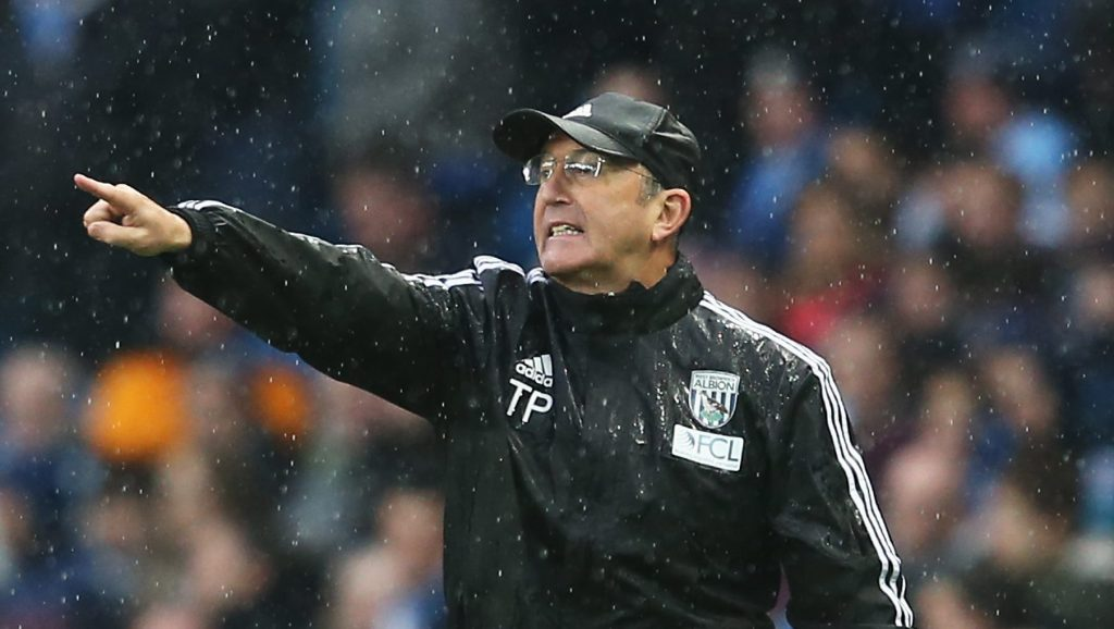 MANCHESTER, ENGLAND - APRIL 09: Tony Pulis manager of West Bromwich Albion gestures during the Barclays Premier League match between Manchester City and West Bromwich Albion at the Etihad Stadium on April 9, 2016 in Manchester, England. (Photo by Jan Kruger/Getty Images)