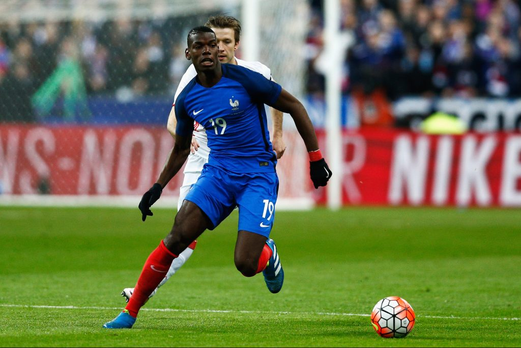 PARIS, FRANCE - MARCH 29:  Paul Pogba of France in action during the International Friendly match between France and Russia held at Stade de France on March 29, 2016 in Paris, France.  (Photo by Dean Mouhtaropoulos/Getty Images)