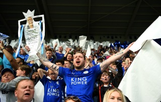 LEICESTER, ENGLAND - MAY 07: Leicester City supporters enjoy the atmosphere prior to the Barclays Premier League match between Leicester City and Everton at The King Power Stadium on May 7, 2016 in Leicester, United Kingdom. (Photo by Shaun Botterill/Getty Images)