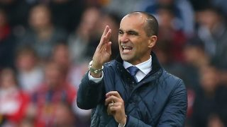 SUNDERLAND, ENGLAND - MAY 11: Roberto Martinez, manager of Everton gives instructions during the Barclays Premier League match between Sunderland and Everton at the Stadium of Light on May 11, 2016 in Sunderland, England. (Photo by Ian MacNicol/Getty Images)