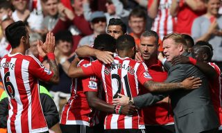 SOUTHAMPTON, ENGLAND - MAY 15: Southampton players and Ronald Koeman manager of Southampton celebrate their team's second goal during the Barclays Premier League match between Southampton and Crystal Palace at St Mary's Stadium on May 15, 2016 in Southampton, England. (Photo by Steve Bardens/Getty Images)