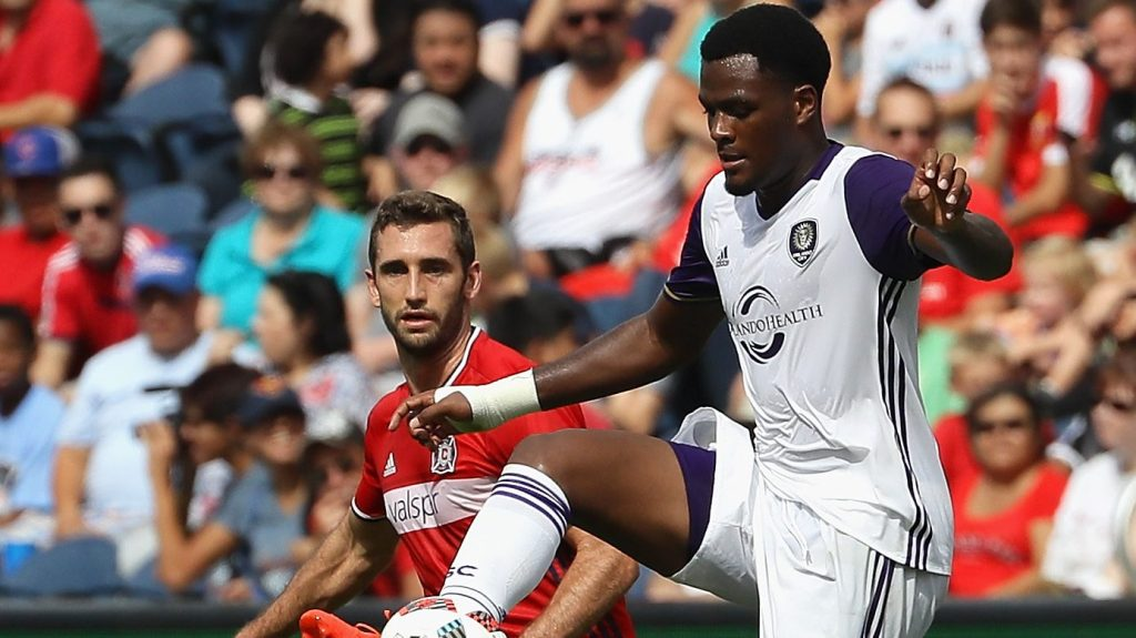 BRIDGEVIEW, IL - AUGUST 14: Cyle Larin #9 of Orlando City FC controls the ball in front of Jonathan Campbell #16 of Chicago Fire during an MLS match at Toyota Park on August 14, 2016 in Bridgeview, Illinois. The Fire and Orlando City SC tied 2-2. (Photo by Jonathan Daniel/Getty Images)