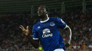 SUNDERLAND, ENGLAND - SEPTEMBER 12:  Romelu Lukaku of Everton celebrates as he scores their third goal and completes his hat trick during the Premier League match between Sunderland and Everton at Stadium of Light on September 12, 2016 in Sunderland, England.  (Photo by Stu Forster/Getty Images)