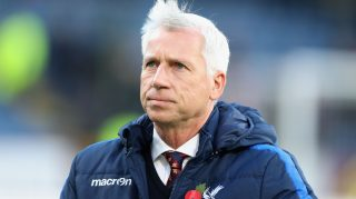 BURNLEY, ENGLAND - NOVEMBER 05: Alan Pardew manager of Crystal Palace looks on prior to the Premier League match between Burnley and Crystal Palace at Turf Moor on November 5, 2016 in Burnley, England. (Photo by Ian MacNicol/Getty Images)