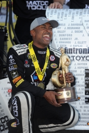 antron brown NH win vertical 2016