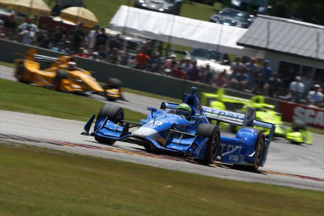Kanaan and a pack. Photo: IndyCar