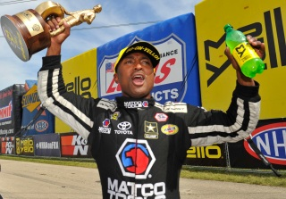 antron brown wins at chicago 2016