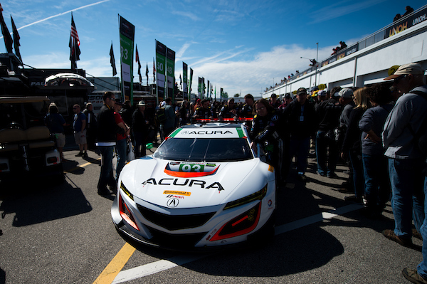 January 26-29, 2017: Rolex Daytona 24. Michael Shank Racing, Acura NSX GT3, Andy Lally, Katherine Legge, Mark Wilkins