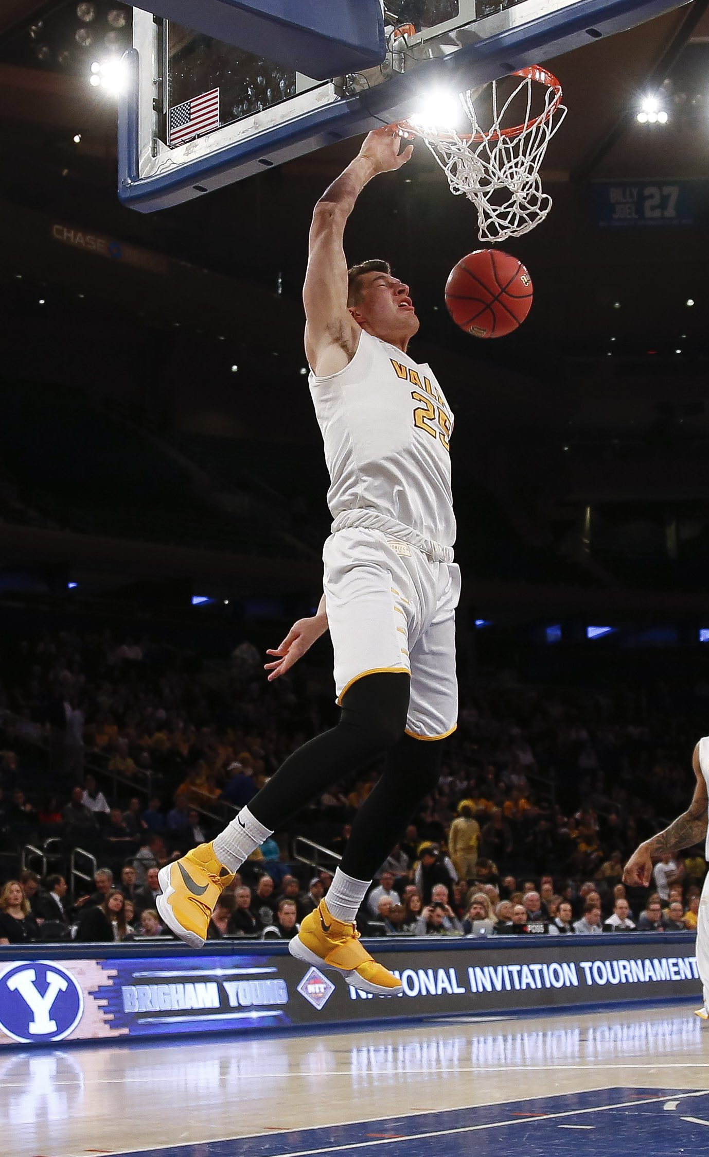NEW YORK, NY - MARCH 29: Alec Peters #25 of the Valparaiso Crusaders dunks against the Brigham Young Cougars during their NIT Championship Semifinal game at Madison Square Garden on March 29, 2016 in New York City. (Photo by Jeff Zelevansky/Getty Images)
