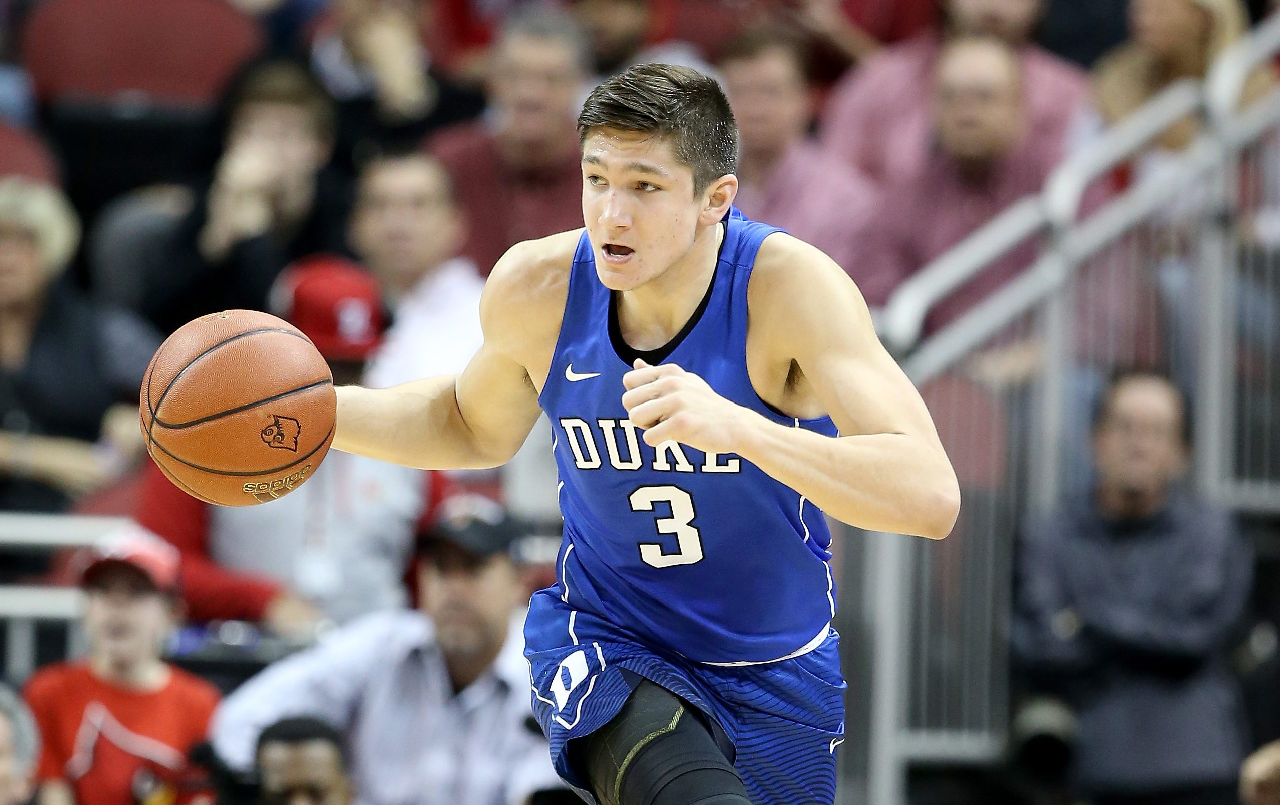 LOUISVILLE, KY - FEBRUARY 20: Grayson Allen #3 of the Duke Blue Devils dribbles the ball during the game against the Louisville Cardinals at KFC YUM! Center on February 20, 2016 in Louisville, Kentucky. (Photo by Andy Lyons/Getty Images)
