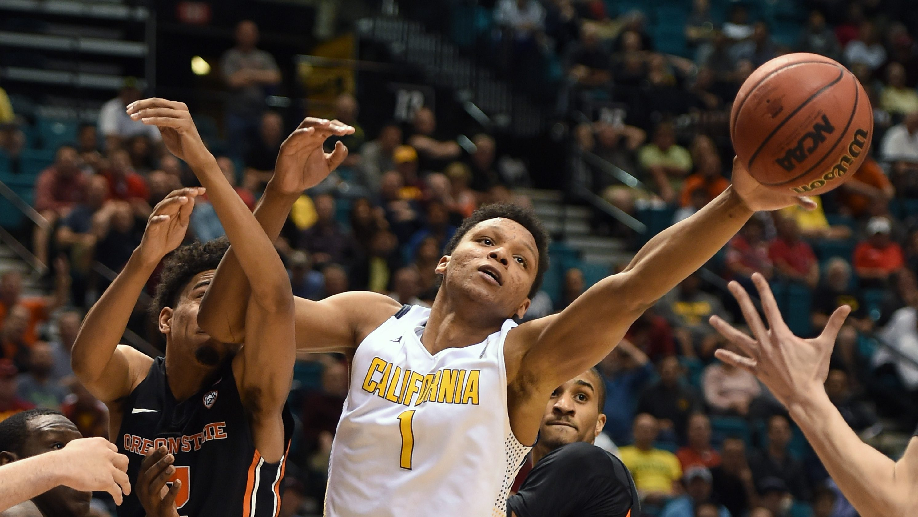 LAS VEGAS, NV - MARCH 10: Ivan Rabb #1 of the California Golden Bears and Stephen Thompson Jr. #2 of the Oregon State Beavers go after a rebound during a quarterfinal game of the Pac-12 Basketball Tournament at MGM Grand Garden Arena on March 10, 2016 in Las Vegas, Nevada. California won 76-68. (Photo by Ethan Miller/Getty Images)
