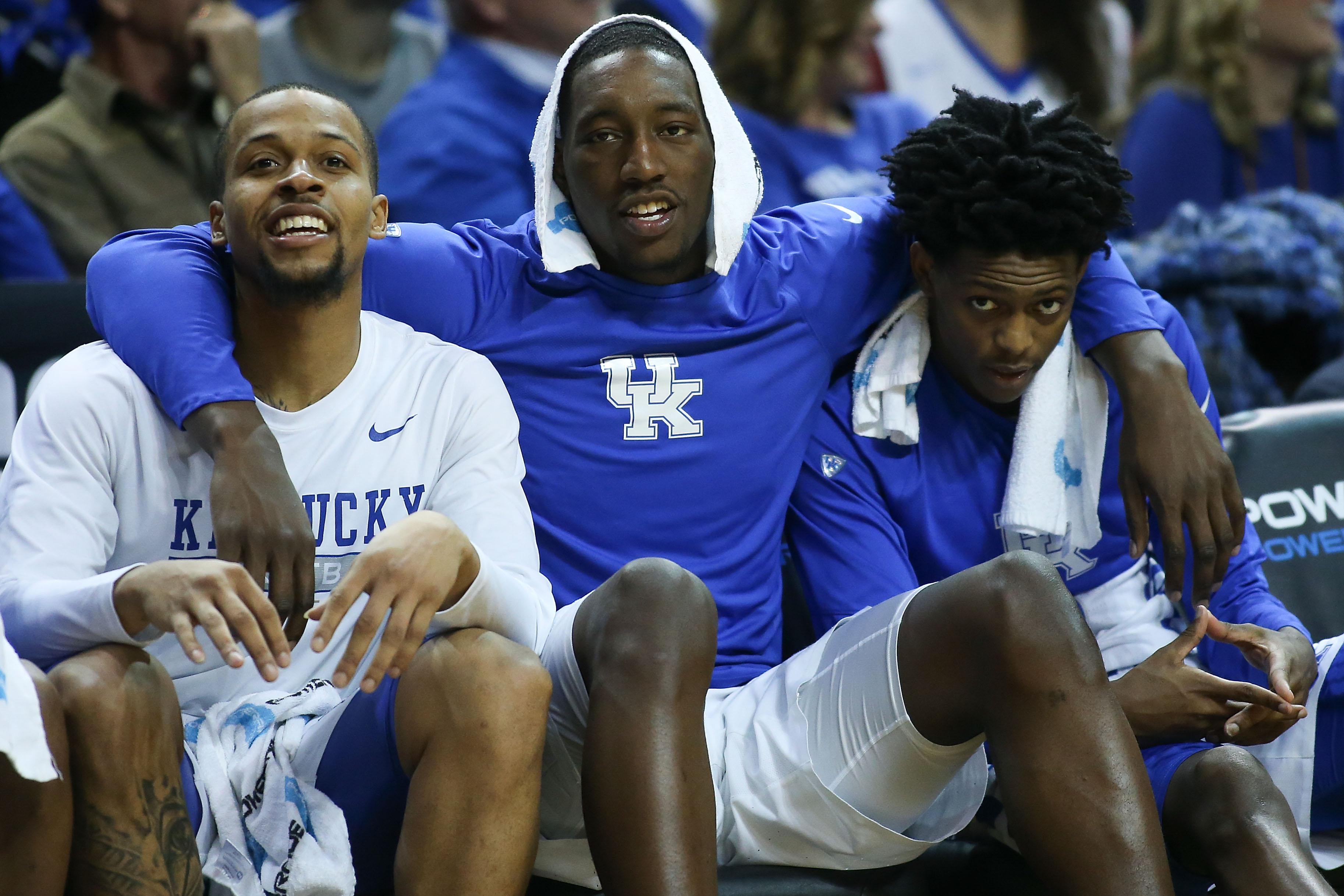 NEW YORK, NY - DECEMBER 11: (L-R) Isaiah Briscoe #13, Edrice Adebayo #3 and De'Aaron Fox #0 of the Kentucky Wildcats celebrate on the bench against the Hofstra Pride in the second half of the Brooklyn Hoops Winter Festival at Barclays Center on December 11, 2016 in the Brooklyn borough of New York City. (Photo by Michael Reaves/Getty Images)