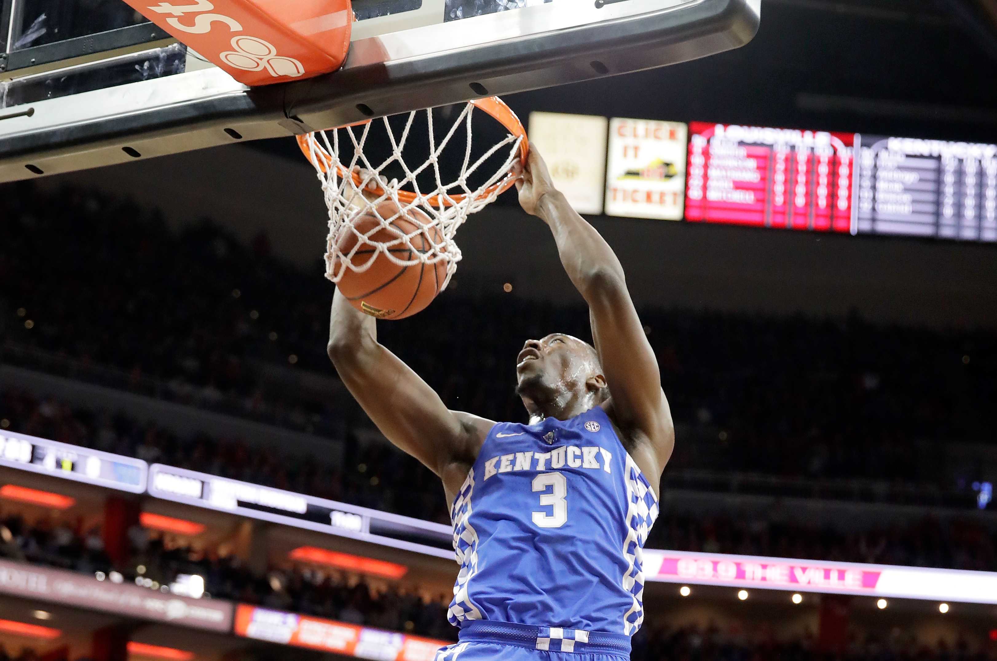 LOUISVILLE, KY - DECEMBER 21: Bam Adebayo #3 of the Kentucky Wildcats dunks the ball during the game against the Louisville Cardinals at KFC YUM! Center on December 21, 2016 in Louisville, Kentucky. (Photo by Andy Lyons/Getty Images)