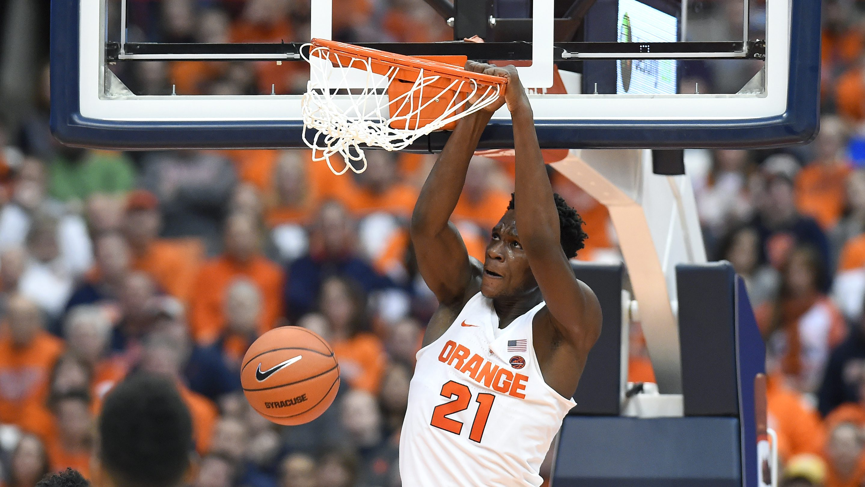 SYRACUSE, NY - JANUARY 28: Tyler Roberson #21 of the Syracuse Orange dunks the ball against the Florida State Seminoles during the first half at the Carrier Dome on January 28, 2017 in Syracuse, New York. (Photo by Rich Barnes/Getty Images)