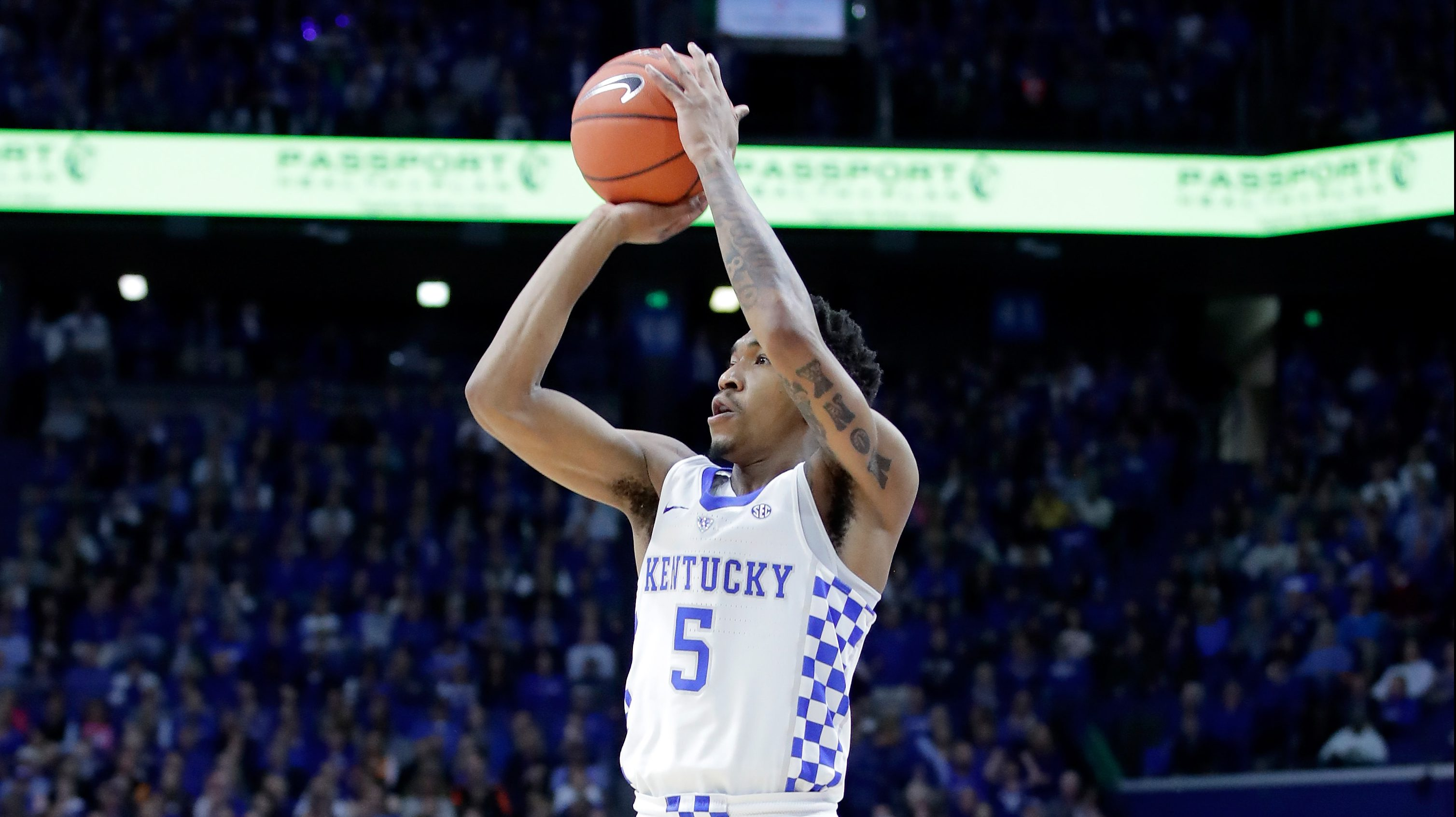 LEXINGTON, KY - FEBRUARY 14: Malik Monk #5 of the Kentucky Wildcats shoots the ball against the Tennessee Volunteers at Rupp Arena on February 14, 2017 in Lexington, Kentucky. (Photo by Andy Lyons/Getty Images)