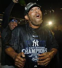 rivera_yanks_090927.jpg