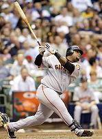 Sandoval swing.jpg