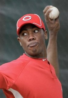 Thumbnail image for Aroldis Chapman in reds uni.jpg