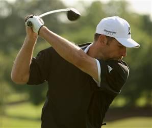 smoltz-golf-100510.jpg