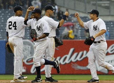 Yankees high fives.jpg