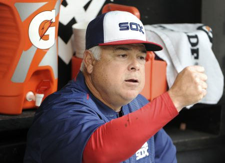 CHICAGO, IL - OCTOBER 02: Rick Renteria #17 of the Chicago White Sox in the dugout before the game against the Minnesota Twins on October 2, 2016 at U. S. Cellular Field in Chicago, Illinois. (Photo by David Banks/Getty Images)