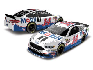 clint-bowyer-mobil-1